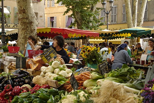 Photo of the daily vegetable market in Place Richelme in Aix-en-Provence